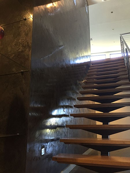 THE BOLD AND THE BEAUTIFUL – BLACK VENETIAN PLASTER ENTRANCE